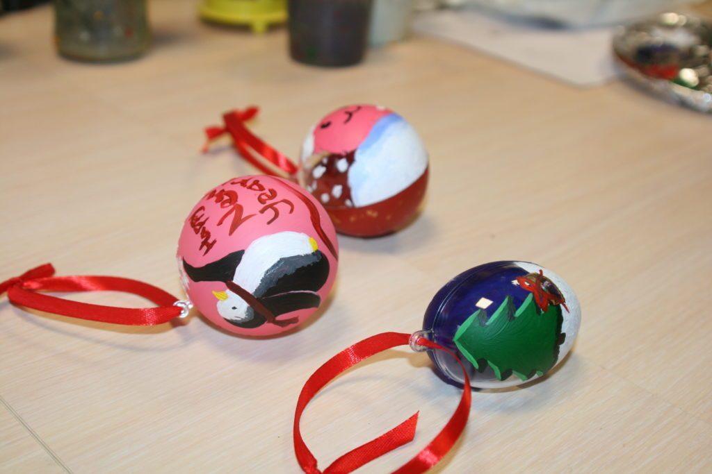 Розпис новорічних іграшок