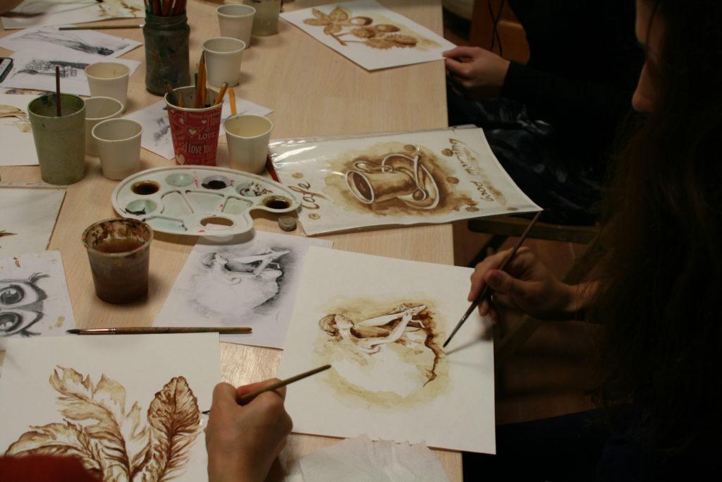 Малюнки кавою на папері