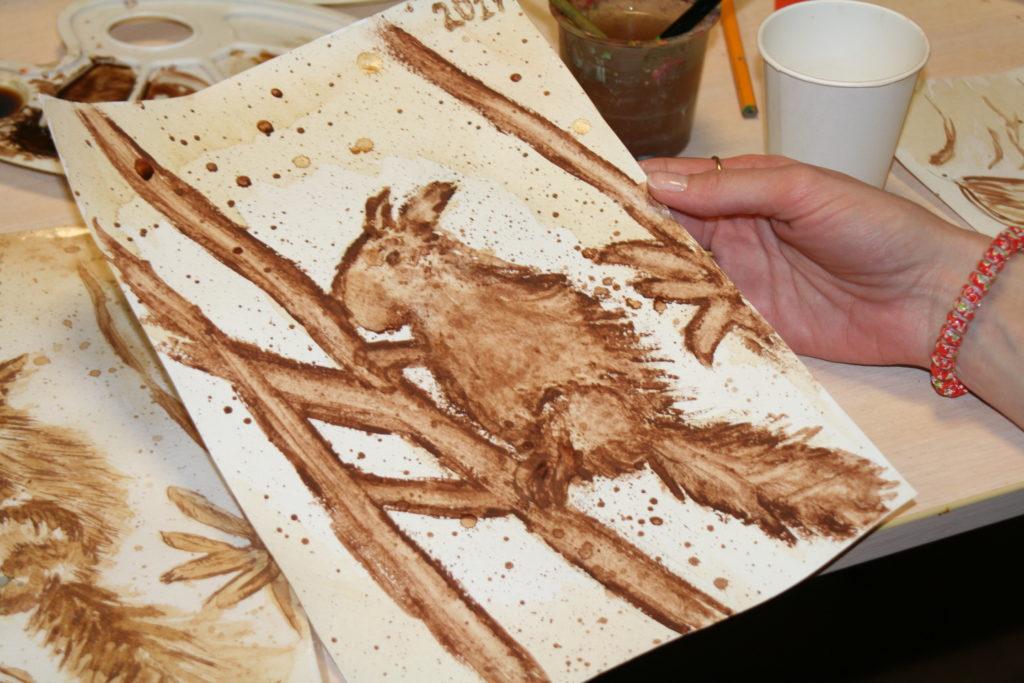 Рисунки кофе на бумаге