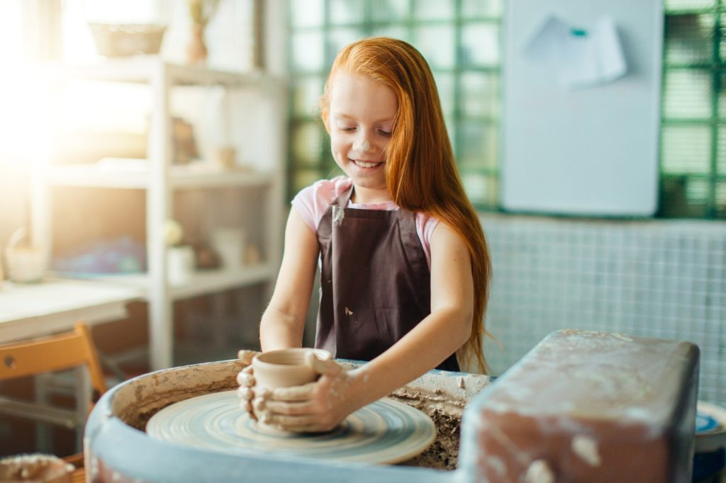 Учим ребенка лепить из глины
